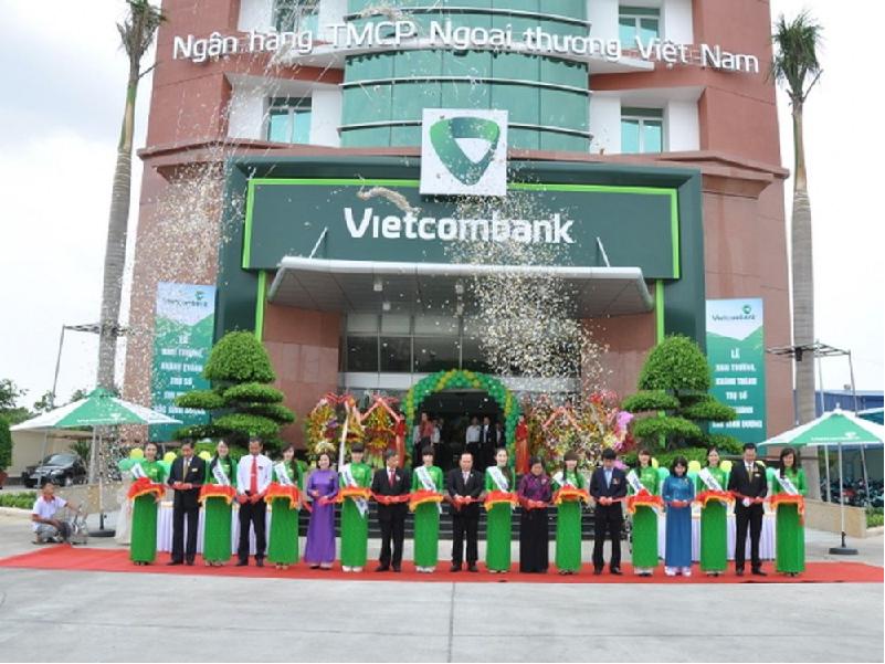 Lãi suất gửi tiết kiệm hàng tháng ngân hàng Vietcombank ảnh 1
