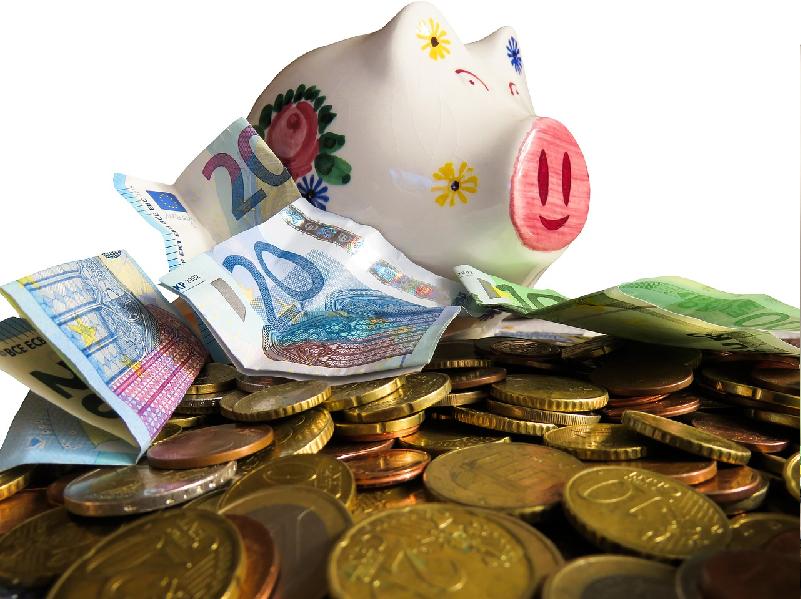 Có nên gửi tiết kiệm ngân hàng không?