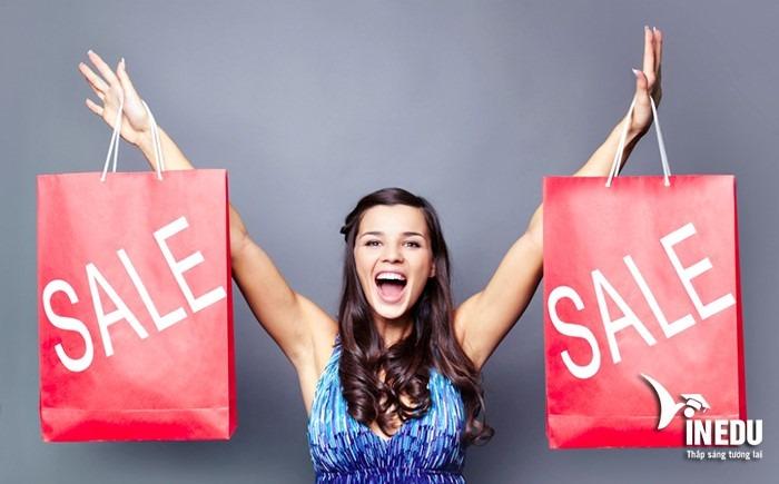 Mua hàng Sale để tiết kiệm chi phí du học Trung Quốc